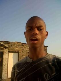 Johannesburg-South-Africa-settlement-teen