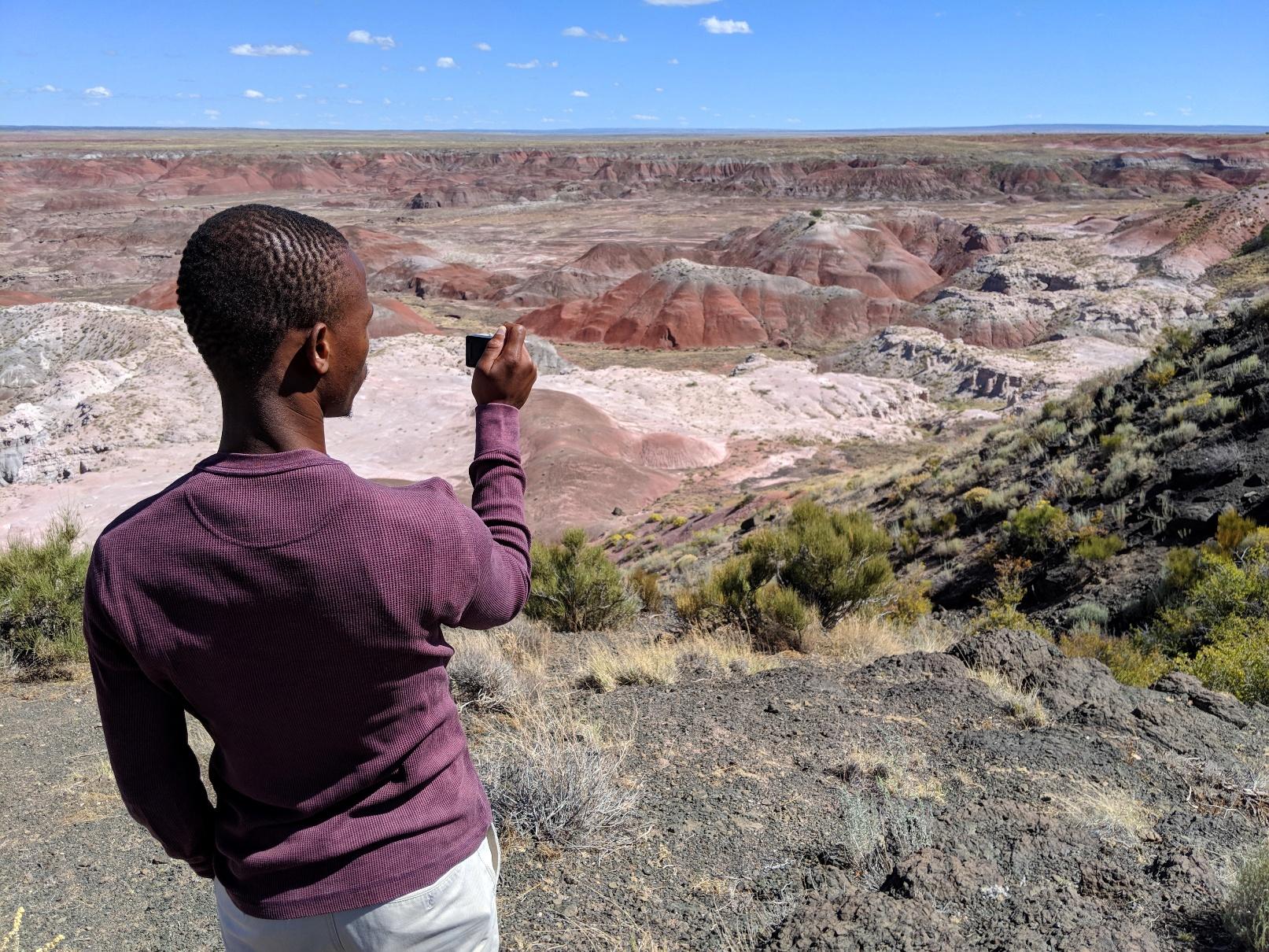 Mtu Paint Desert cliff